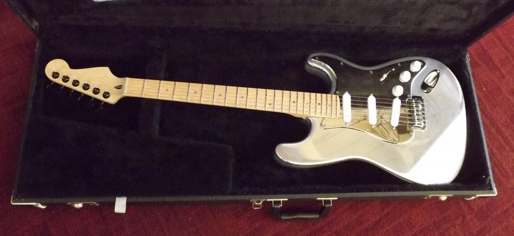 OzzTosh Luma Blondie Guitar